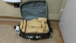 Adolescente mineira é flagrada com 27 tabletes de maconha na bagagem