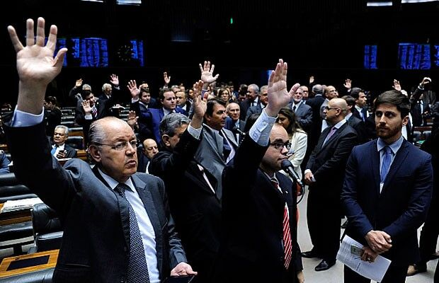Câmara reduz a um terço sessões de votação durante período eleitoral