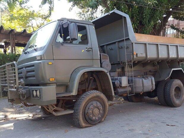 Militares do 20º RCB são detidos em Campinas como suspeitos de carregar drogas no caminhão