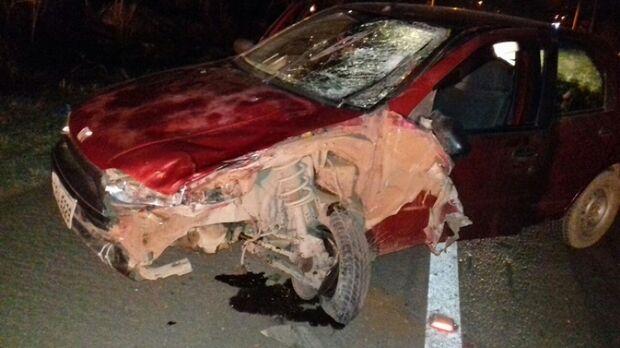 Motociclista morre durante ultrapassagem perigosa em colisão com veículo de passeio