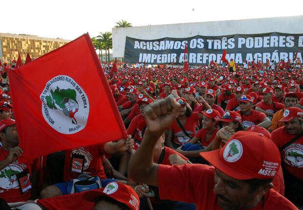 Após impeachment, coordenação nacional do MST diz preparar novas ocupações