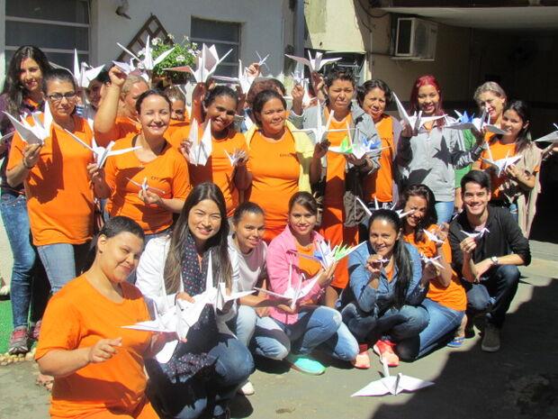 Detentas do Irmã Irma Zorzi participam de ação para levar mensagens a pessoas doentes