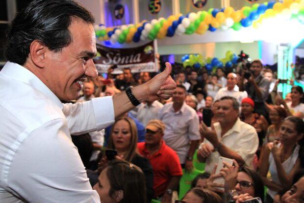 Marquinhos se compromete em investir iluminação pública e criar polícia metropolitana
