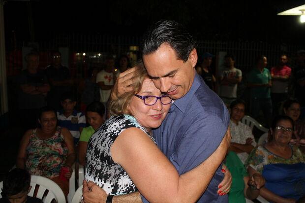 Marquinhos diz que 'carinho das pessoas é combustível' de campanha