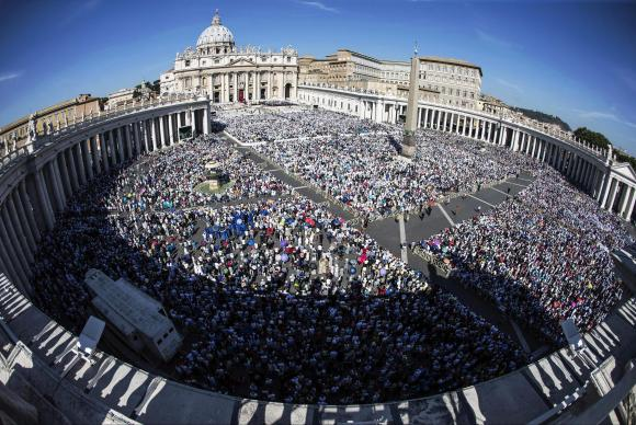 Madre Teresa de Calcutá é canonizada pelo papa Francisco em missa no Vaticano