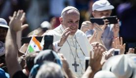 Papa diz que corrupção vicia e gera pobreza, exploração e sofrimento