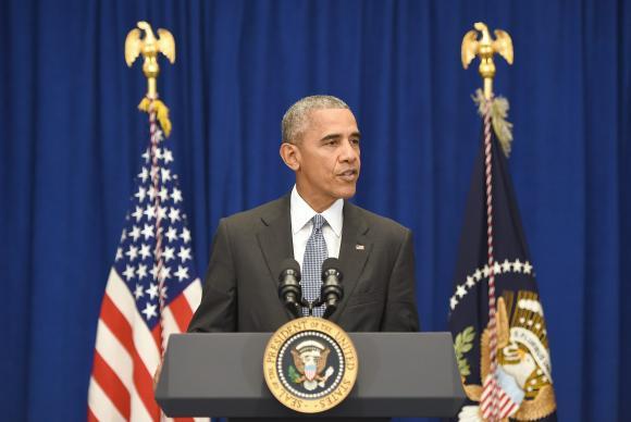 Após explosão, Obama diz que Estados Unidos jamais se renderão ao medo