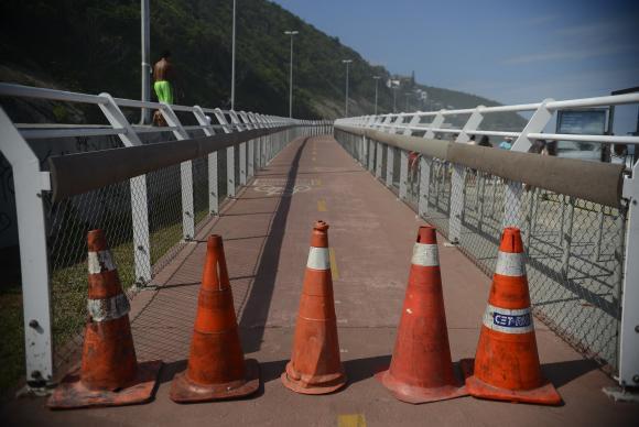 Novo trecho de ciclovia que desabou no Rio é aberto ao público