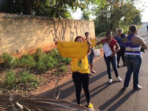 Na base do protesto, moradoras conseguem melhorias para bairro da Capital