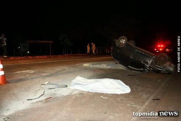 Idosa morre e quatro ficam feridos em acidente; dois são crianças