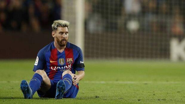 Após se lesionar em jogo do Barcelona, Lionel Messi é cortado da seleção argentina
