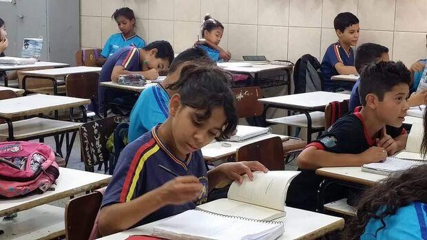 Crianças dão asas à imaginação e transformam aprendizagem em poesia na periferia da Capital