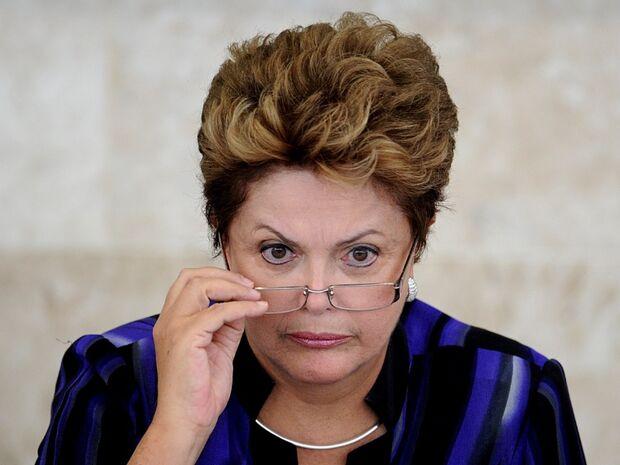 Dilma pede ao TSE nova perícia em contas da campanha de 2014
