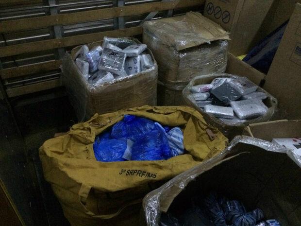 PRF apreende R$ 1,5 mi de contrabando em veículo terceirizado pela ECT