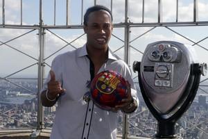 """Ronaldinho diz que Neymar """"tem  o azar"""" de jogar na época de Messi"""