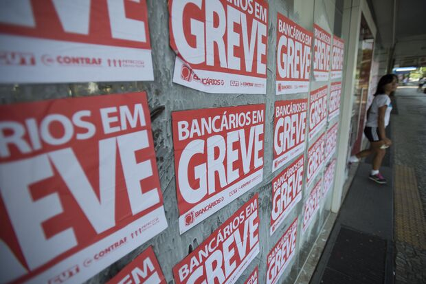 Bancários podem entrar em greve a partir da próxima terça-feira