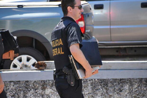 Operação Omertà: agentes federais apreendem notebook e documentos em Campo Grande