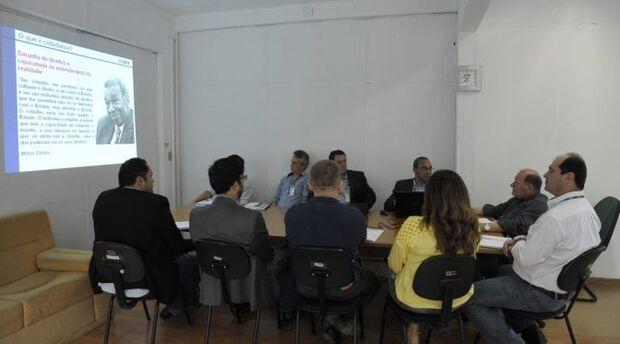 Limites territoriais de Mato Grosso do Sul são avaliados por dirigentes da Agraer e do IBGE