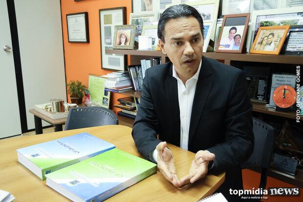 Justiça atende Rose e concede retirada de propaganda irregular de Marquinhos