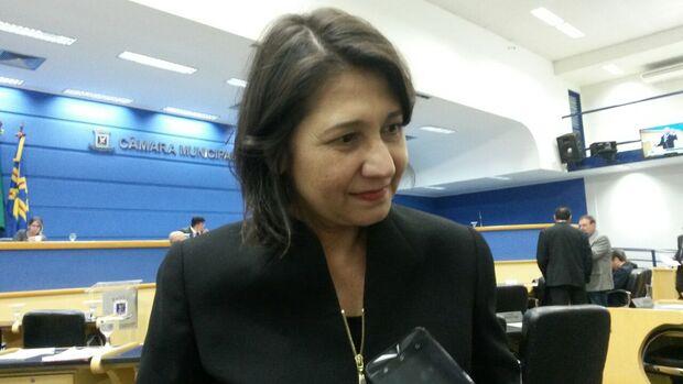 Apesar de proteger Bernal, vereadora 'jura fidelidade' a candidato do PPS