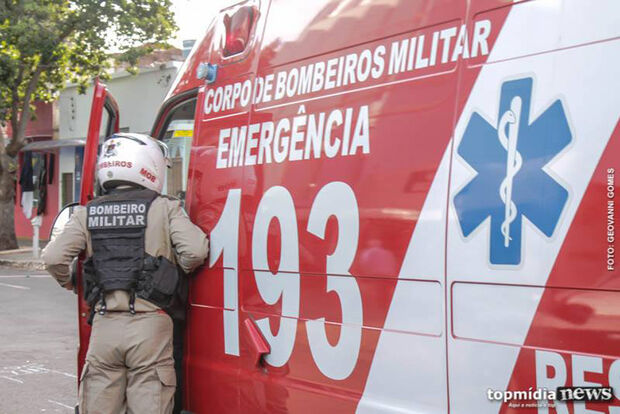 Mecânico invade casa e esfaqueia homem no pescoço em Campo Grande