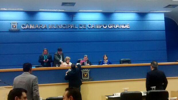 Em sessão cheia, vereadores aprovam quatro projeto e analisaram dois vetos