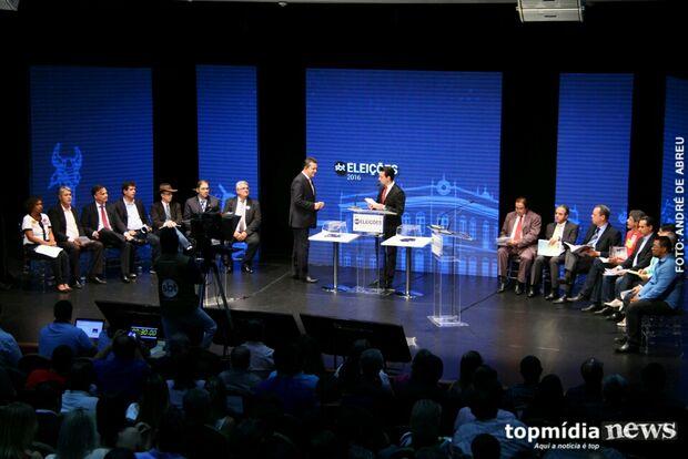 Debate 'lotado' expõe nível técnico baixo de candidatos em Campo Grande