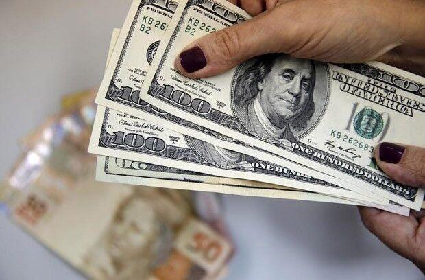 Dólar fecha em queda de quase 1%, a R$ 3,24