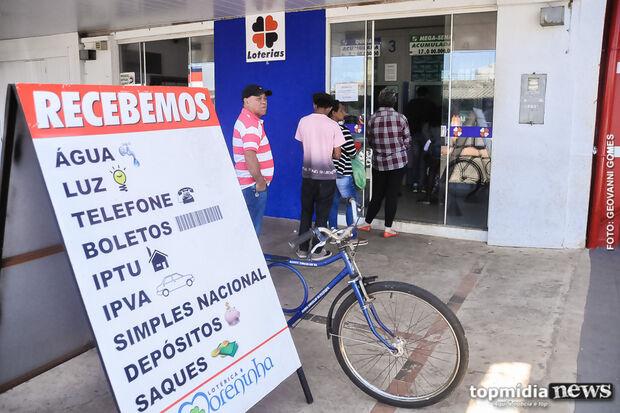 Com greve dos bancários, população lota casas lotéricas da Capital