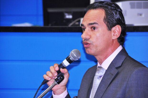 Marquinhos perde tempo de televisão por fazer pesquisa em propaganda eleitoral