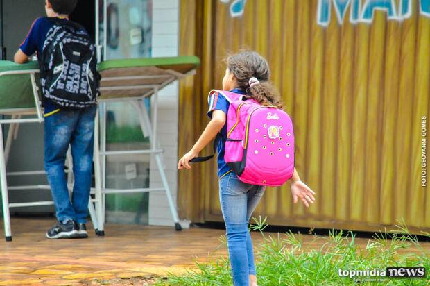Greves, insatisfação e escândalos da merenda derrubam indicadores da educação na Capital