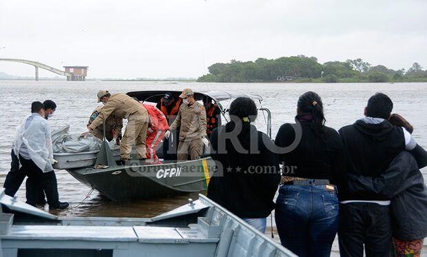 Corpo de piloteiro morto em colisão entre barcos é resgatado no Pantanal