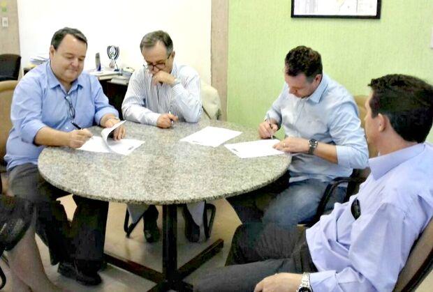 Parceria efetiva implantação de Centro do Gado Leiteiro em Aquidauana
