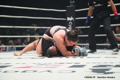Nervosismo por Cyborg e celebração com Wand: Gabi e sua 3ª luta de MMA