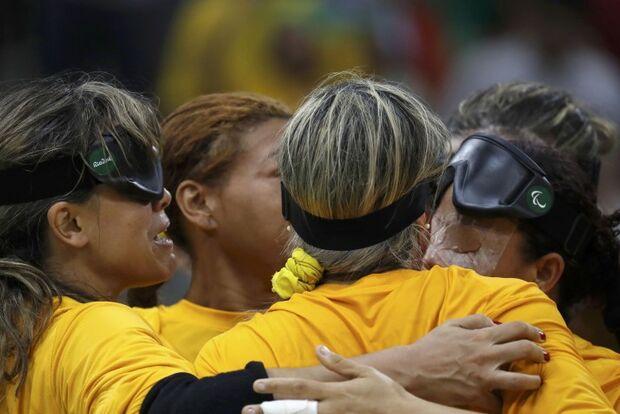 Goalball feminino perde bronze, mas fecha Jogos com melhor resultado da história