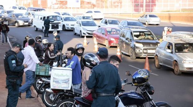 PM recupera oito veículos e prende nove foragidos da Justiça durante o final de semana