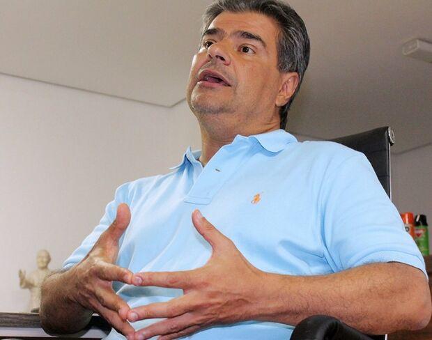 Empreiteira de secretária de Nelsinho cobra João Amorim na Justiça por dívida