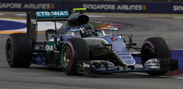 Rosberg faz a pole e Vettel larga em último no GP de Cingapura. Massa é 12º