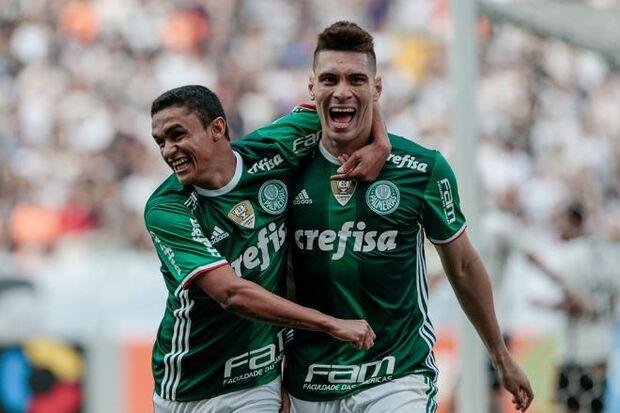 Palmeiras vence por 2x0 e deixa Corinthians em crise no Brasileirão