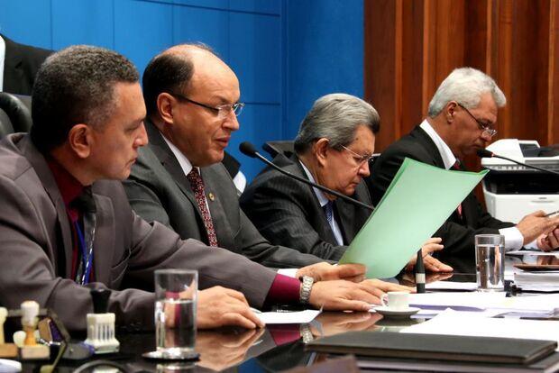 Deputados analisam nesta quinta, cinco Projetos de Lei na ALMS