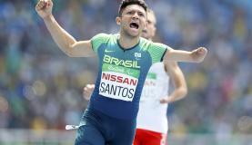 Petrúcio dos Santos se classifica para a final dos 400m rasos