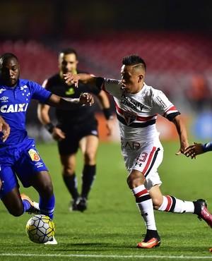 Análise: com 45 minutos muito bons, São Paulo vence a segunda e respira