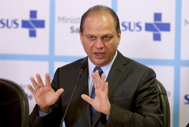 Ministro da Saúde anuncia repasse de R$ 1 bilhão para UPAs e Santas Casas