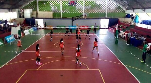 Jogos Escolares da Juventude: meninas do vôlei ganham primeira disputa