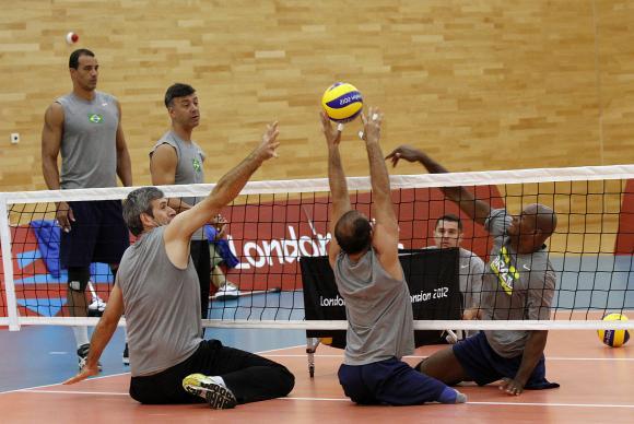 Brasil estreia hoje no vôlei sentado em busca de medalha inédita em Paralimpíada