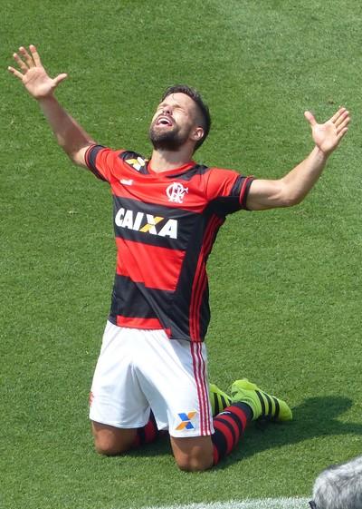 Com muita facilidade, Flamengo bate Figueira e segue na cola do Palmeiras