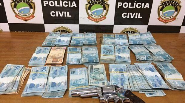 Irmão de candidato é preso com mais de R$ 100 mil em investigação de compra de votos