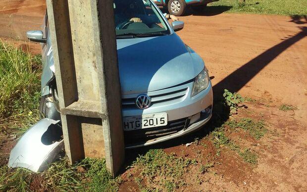 Durante fuga, traficante bate carro carregado com 449 quilos de maconha