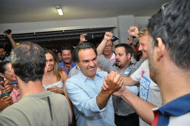 Marquinhos comemora resultado e já planeja segundo turno com aliados