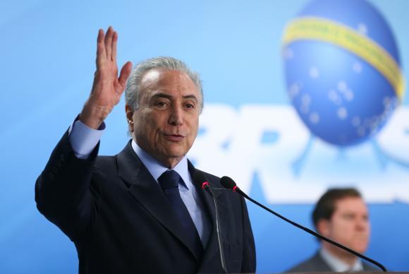 Temer diz que oposições no Brasil sempre tentaram destruir governos